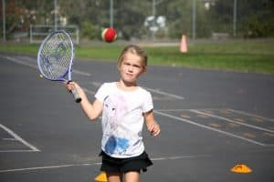 can 3 year olds play tennis