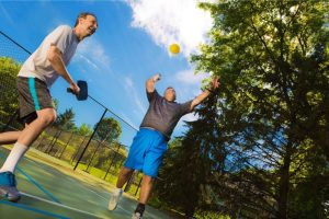 Can you play pickleball on a tennis court (and how)